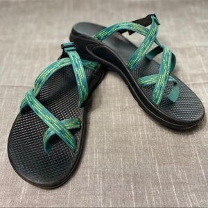 Like New - Chaco Adjustable Slip On Strappy Sandal